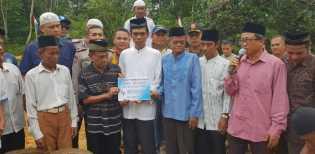UAS Dikirimi Rp100 Juta oleh Pemfitnah Topi Tauhid, Uangnya Dibangun Madrasah