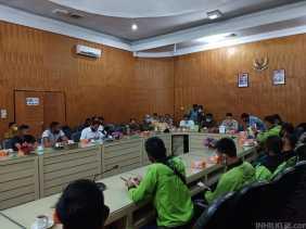 Aksi Penolakan UU Cipta Kerja di Kantor DPRD Sergai Berlangsung Aman dan Damai
