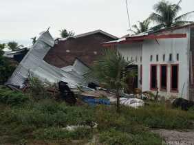 Derasnya Hujan Diiringi Angin Kencang Rusak 3 Rumah Milik Warga Nagur