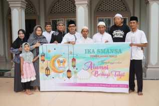 IKA SMANSA Tembilahan Hulu Adakan Pemberian Takjil Selama Ramadan 1440 H