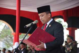 Mengenal Lebih Dekat Sosok Dani M Nursalam, Dari Tukang Jual Es Hingga Menjadi Ketua DPRD Inhil