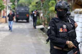 Serang Polisi dengan Ketapel, 1 Terduga Teroris di Riau Ditembak
