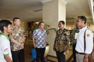 Bupati Wardan Optimis Buka Peluang Peningkatan Ekonomi Petani Kelapa di Inhil