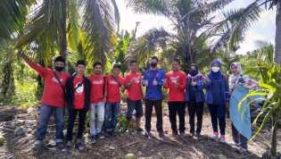 Gandeng Tambera, PLTU Tembilahan Bagikan Alat dan Bibit untuk Masyarakat
