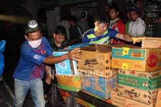 Pasar Terapung Terbakar, Pedagang Selamatkan Barang Berharga