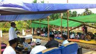 Meski Hanya Beralaskan Terpal, Warga Desa Bagan Jaya Tetap Antusias Sambut Wardan