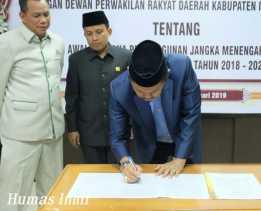 Syamsuddin Uti Tandatangani Nota Kesepahaman RPJMD 2018-2023