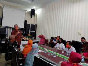 Puluhan Warga Desa Nagur Tanjung Beringin Geruduk Kantor Bupati