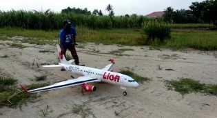 PATUT DIAPRESIASI,! Warga Sergai Buat Pesawat Aeromodelling