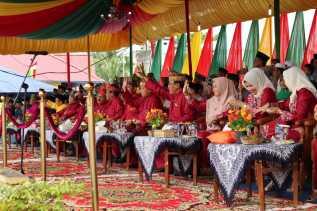 Defile Pawai Ta'ruf MTQ Ke - 48 Kabupaten Inhil Resmi Dilepas, Bazaar Telah Dibuka