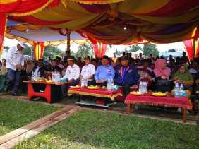 Sekda Inhil Hadiri Pelantikan Kepengurusan Kerukunan Nelayan Desa Tanjung Simpang Kecamatan Pelangiran