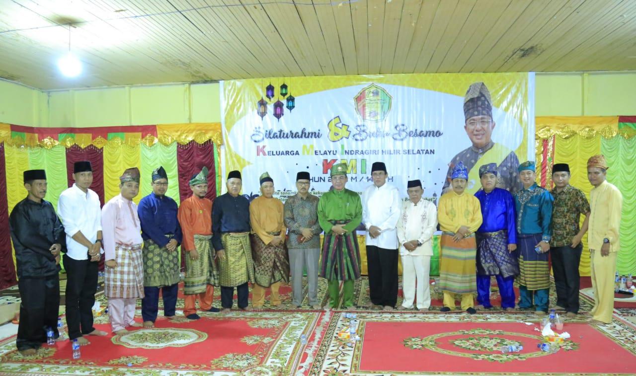 Bupati Wardan Buka Bersama Keluarga Melayu Insel