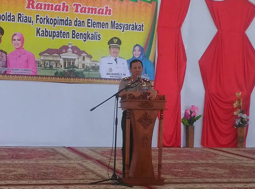 Kapolda Riau Minta Masyarakat Berperan Dalam Membasmi Polisi