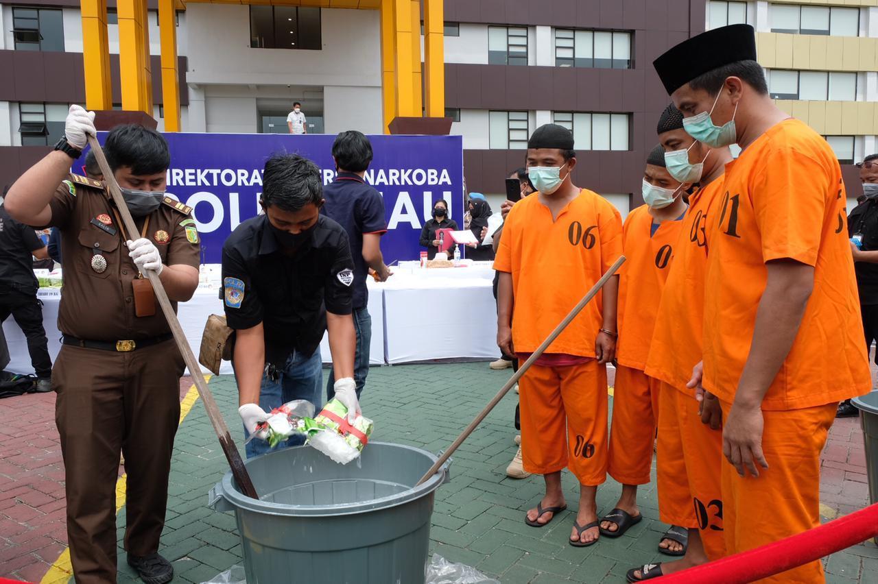 Musnahkan 26,83 KG Sabu, Kapolda : Terus Buru Pengedar Dan Kita Wujudkan Riau Bebas Narkoba