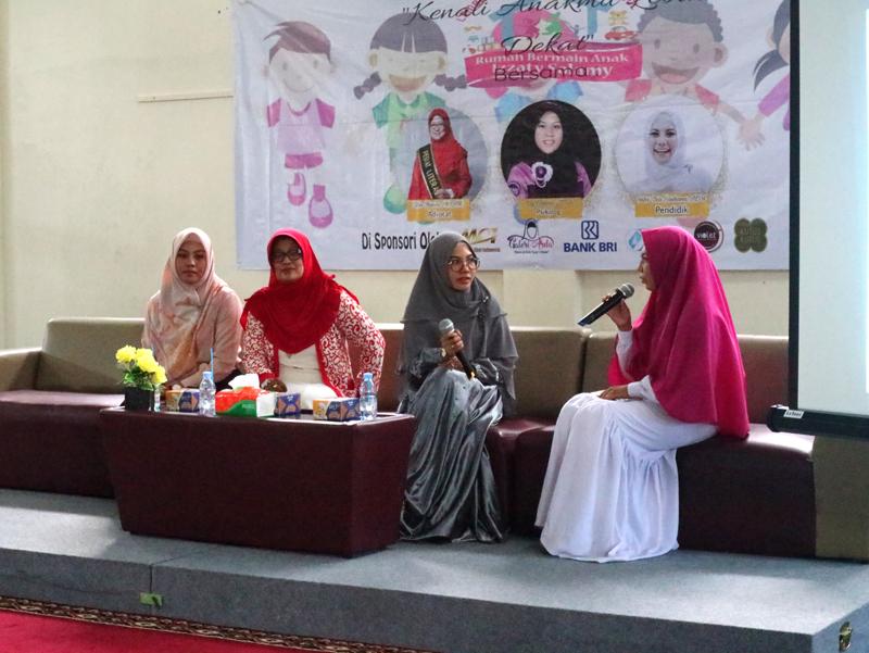 Talkshow Izzaty Salamy 'Kenali Anakmu Lebih Dekat' Bersama Narasumber Profesional