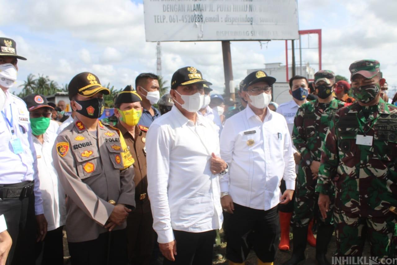 Kapolres Sergai Dampingi Gubsu dan Pangdam I BB Berikan Bantuan Kepada Korban Bencana