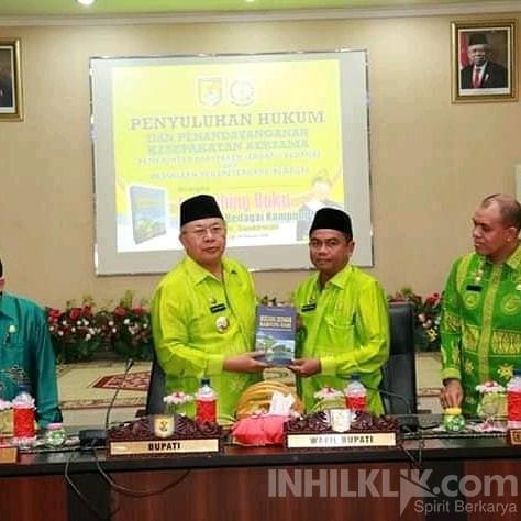 Bupati Soekirman Launching Buku