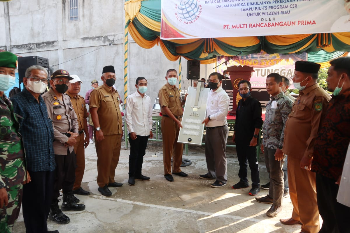 Program CSR, PT MRP Bangun 500 Titik PJU-TS di Kabupaten Inhil