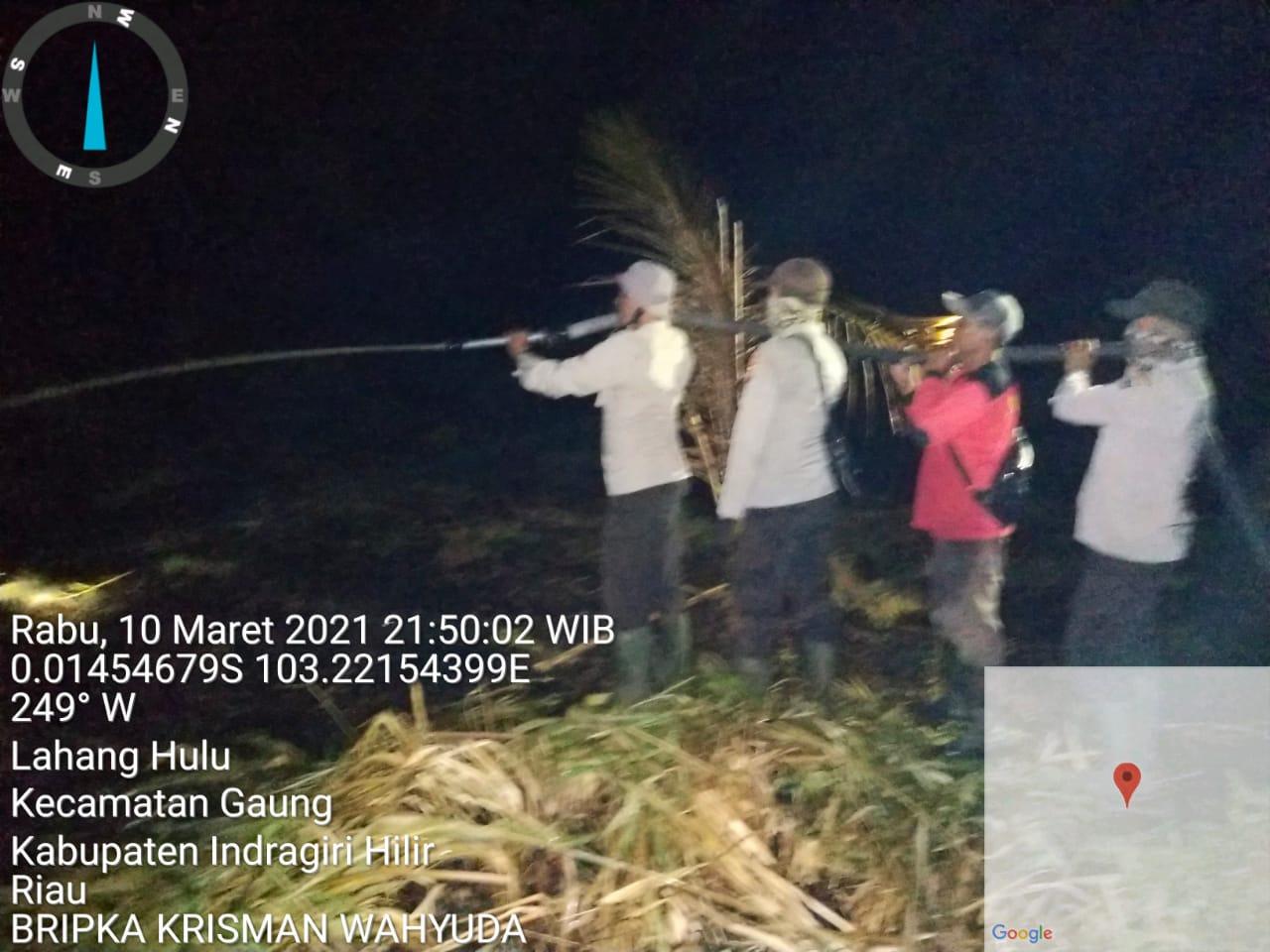 Verifikasi dan Pemadaman Titik Hotspot Dilakukan Polsek Gaung Hingga Tengah Malam