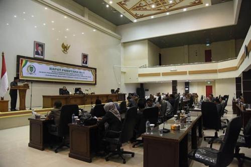 Fraksi-fraksi DPRD Inhil Tanggapi Pidato Pengantar Bupati Terkait 6 Ranperda