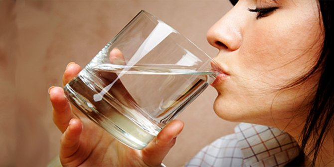 Kurang Minum Air saat Berbuka Bisa Buat Berat Badan Jadi Melonjak