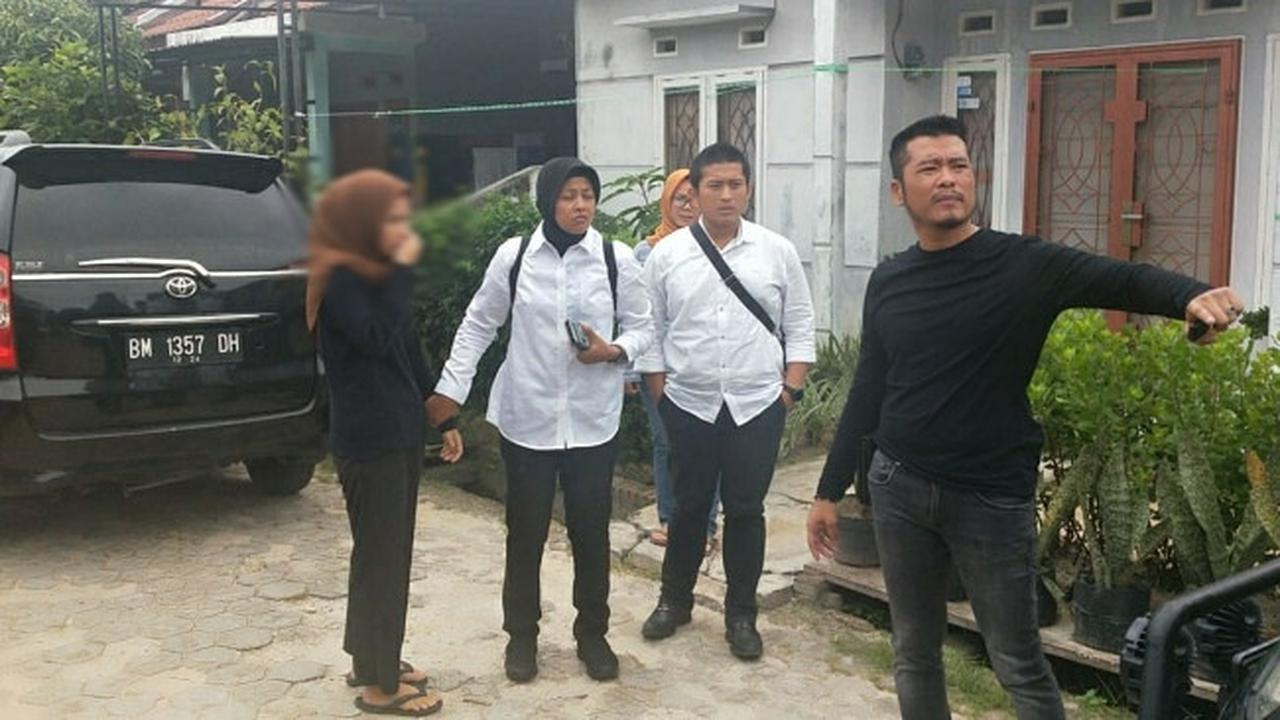 Pengakuan Janda Muda Usai 'Dimandikan' Warga di Pinggir Jalan Pekanbaru