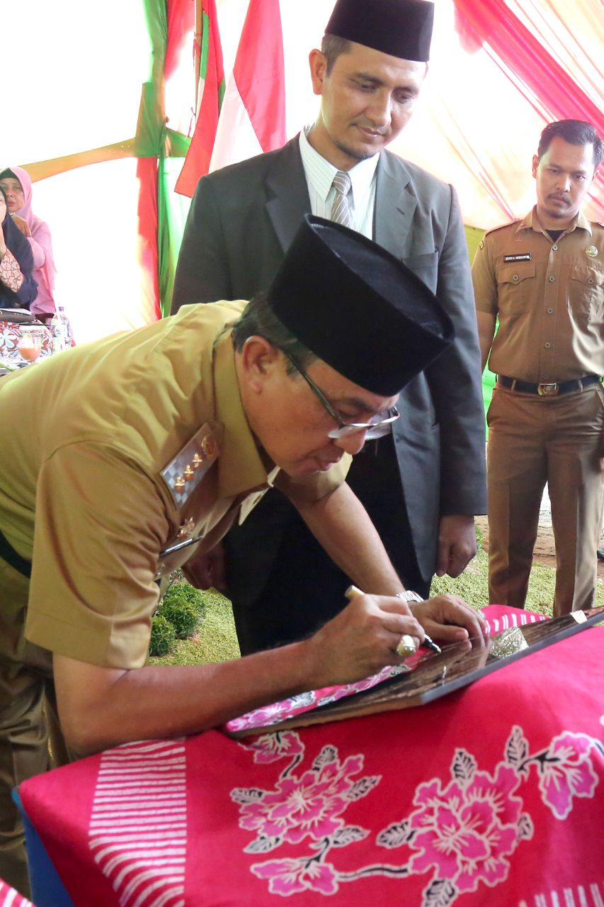 HM Wardan Lakukan Peletakan Batu Pertama Pembangunan Masjid Di PMIP