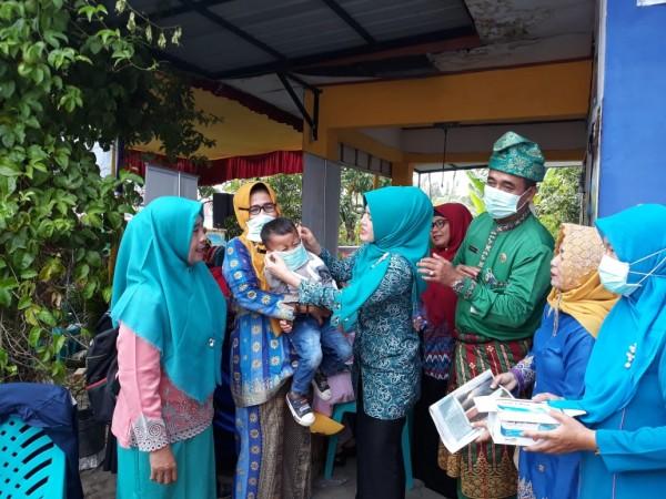 Kabut Asap Menebal, Diskes Pekanbaru Minta Bantuan 210 Ribu Kotak Masker