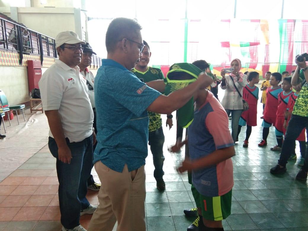 Kadis Parporabud Inhil Resmi Launching Indovizka Futsal Academy