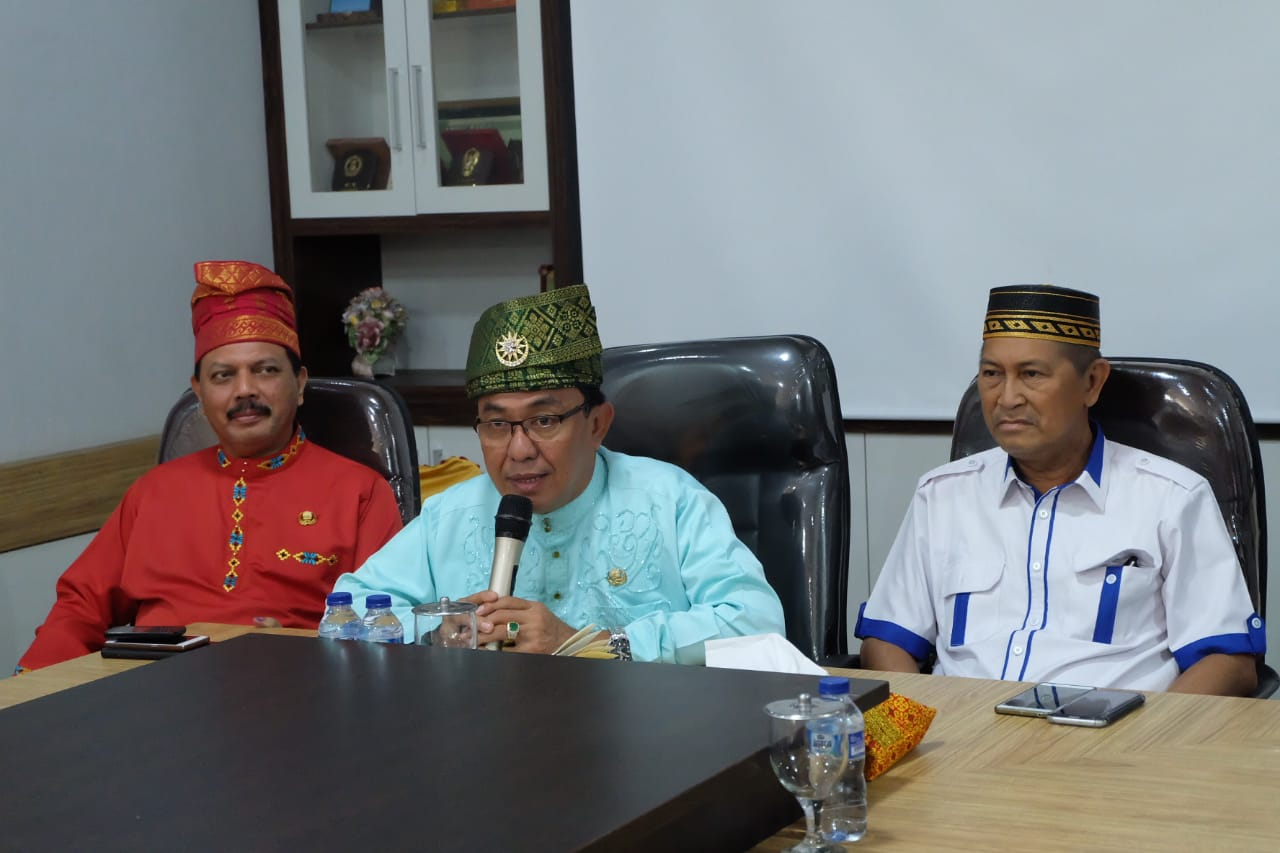 Kabinet Baru Wardan, 'Geser' Pejabat yang Berkinerja Lemah