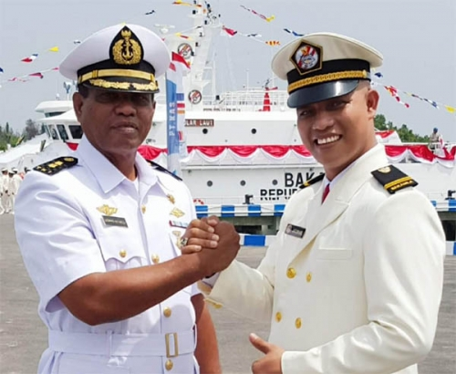 Luar Biasa, Letnan Dua Angkatan Laut Ini Tinggalkan Bakamla untuk Jadi Caleg Meranti Penulis: Safrizal
