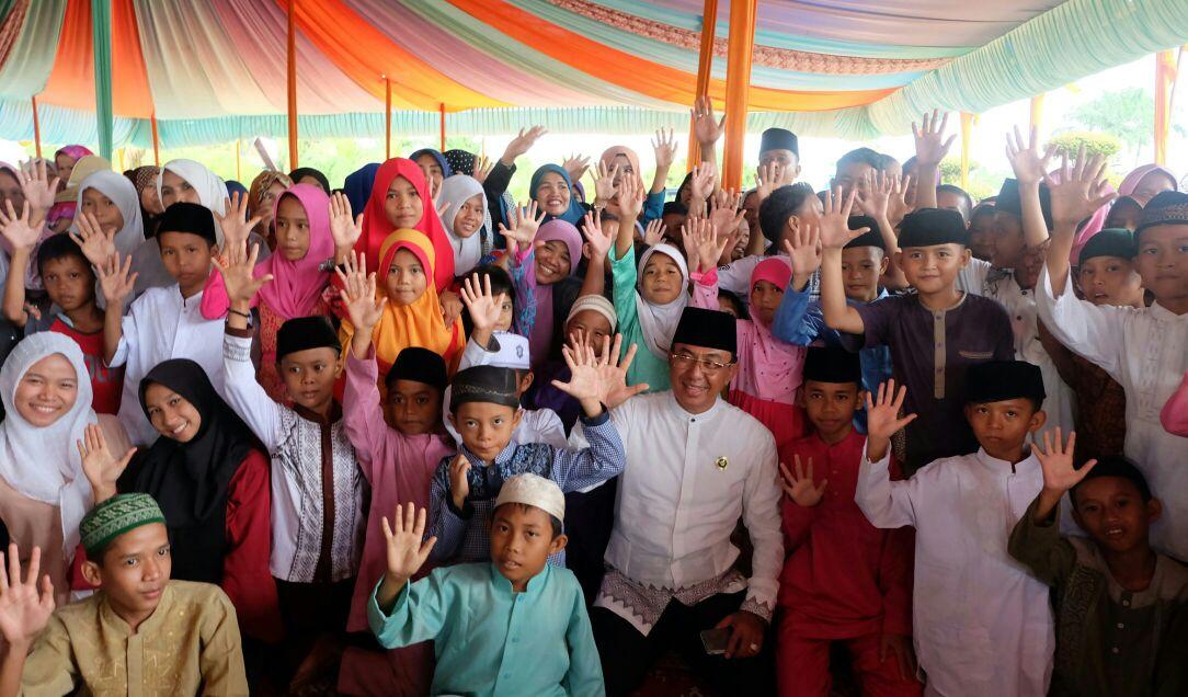 Syukuran Milad ke-57, Bupati Inhil Undang Anak Yatim Piatu dan Dai Cilik