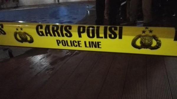 Pura-Pura Menyerah, Terduga Teroris Tusuk Empat Polisi di Bandung