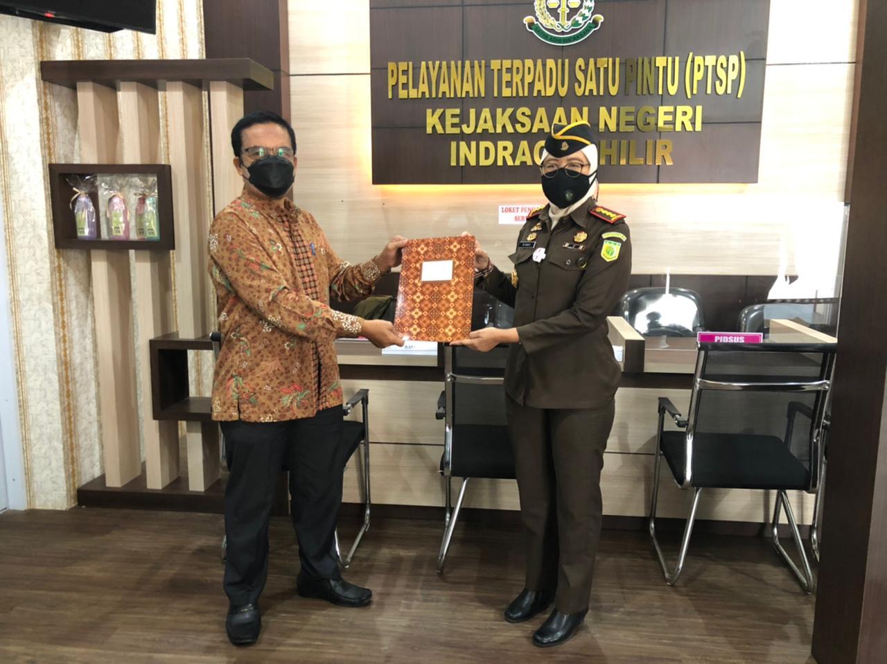 Kejaksaan Negeri Tembilahan Terima Hibah dari Sambu Group