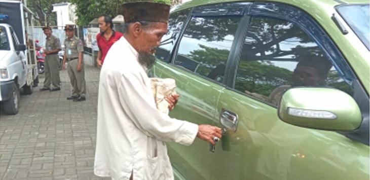 Pengemis Kaya di Bogor, Ngasih ke Supir Rp500 Ribu per Hari