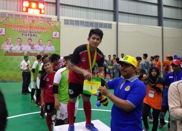 Agustian Cs Berhasil Bawa Inhil Keluar Sebagai Juara I Futsal Pada Porprov Riau IX