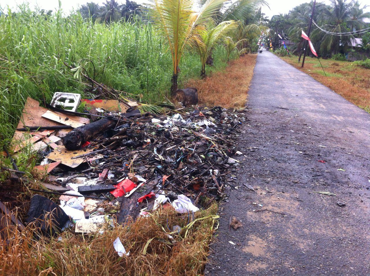 Masyarakat Telaga Musim Kesal Wilayahnya Jadi Tempat Sampah Hasil Goro Persiapan MTQ Inhil di GAS