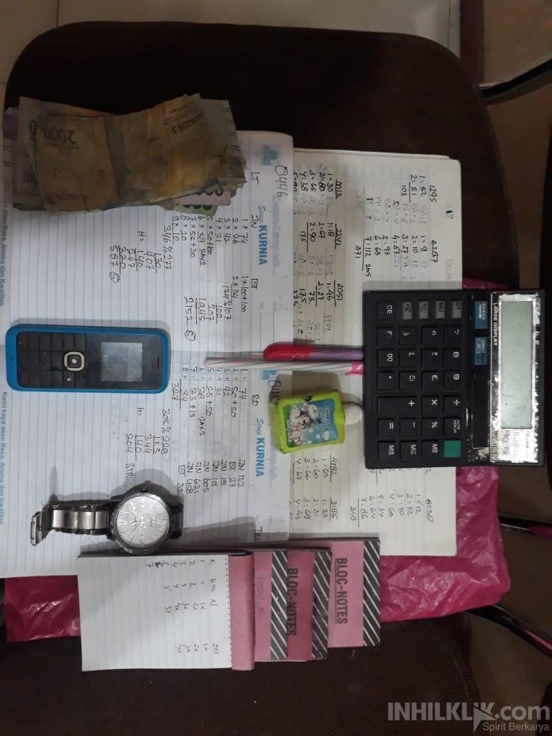 Asyik Menunggu Pelanggan, Jurtul KIM & Togel Diringkus Polisi
