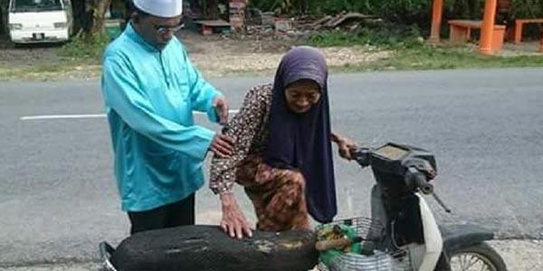 Membonceng Nenek-nenek Bukan Muhrim Dilarang
