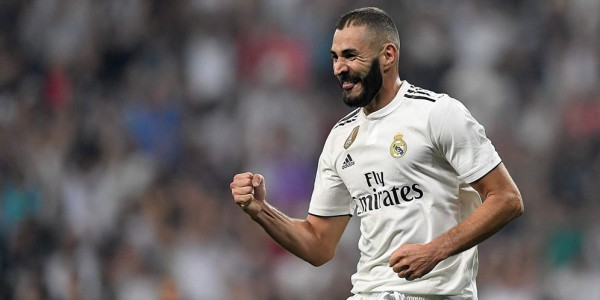 2 Gol Benzema Bawa Madrid Kalahkan Eibar