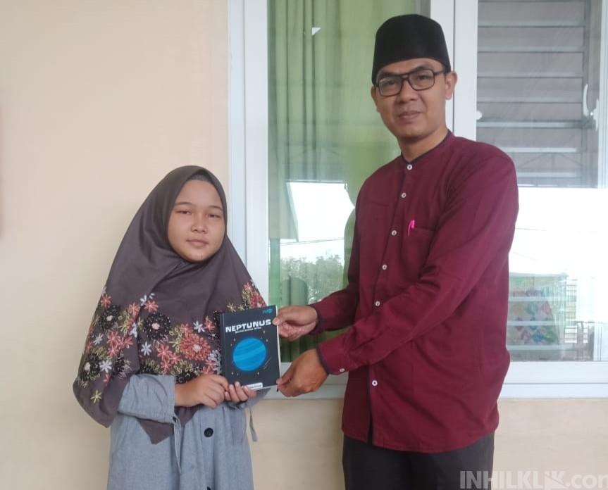Karya Tulis Siswi SMP IT Ummi A'yuni Perbaungan Terpilih Diterbitkan di Buku NEPTUNUS