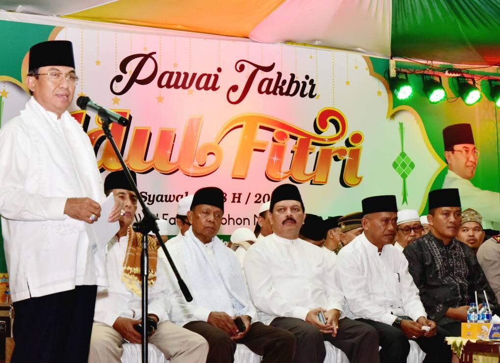 Bupati Inhil Buka Pawai Takbir Idul Fitri 1438 H Bertajuk 'Ketupat Lebaran Keberkahan Negeri Hamparan Kelapa Dunia'