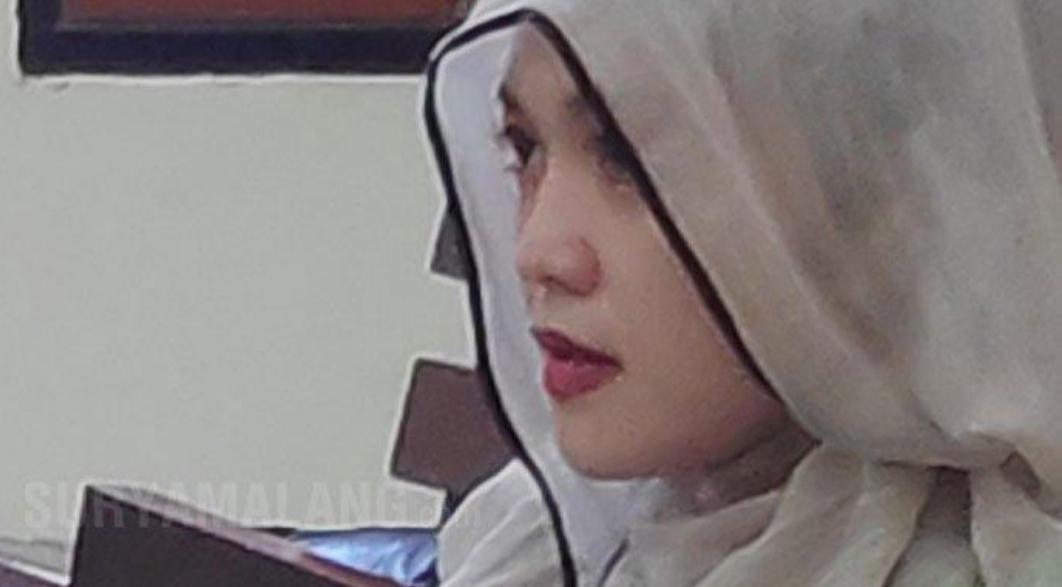 Gadis Cantik ini Berbuat Nekat di Markas Polisi saat Besuk Tahanan