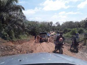 10 Mobil Angkutan CPO Milik PT Tasma Puja Diblokir Warga Karena Merusak Jalan
