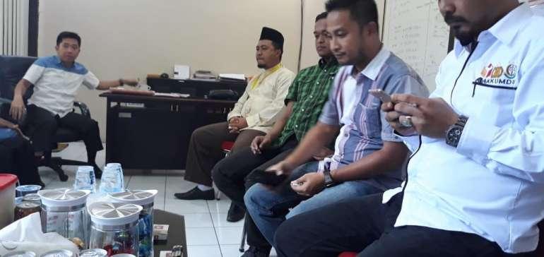 Anggota Timses Bagi-Bagi Bahan Baju pada Ibu-Ibu di Inhu Ditahan