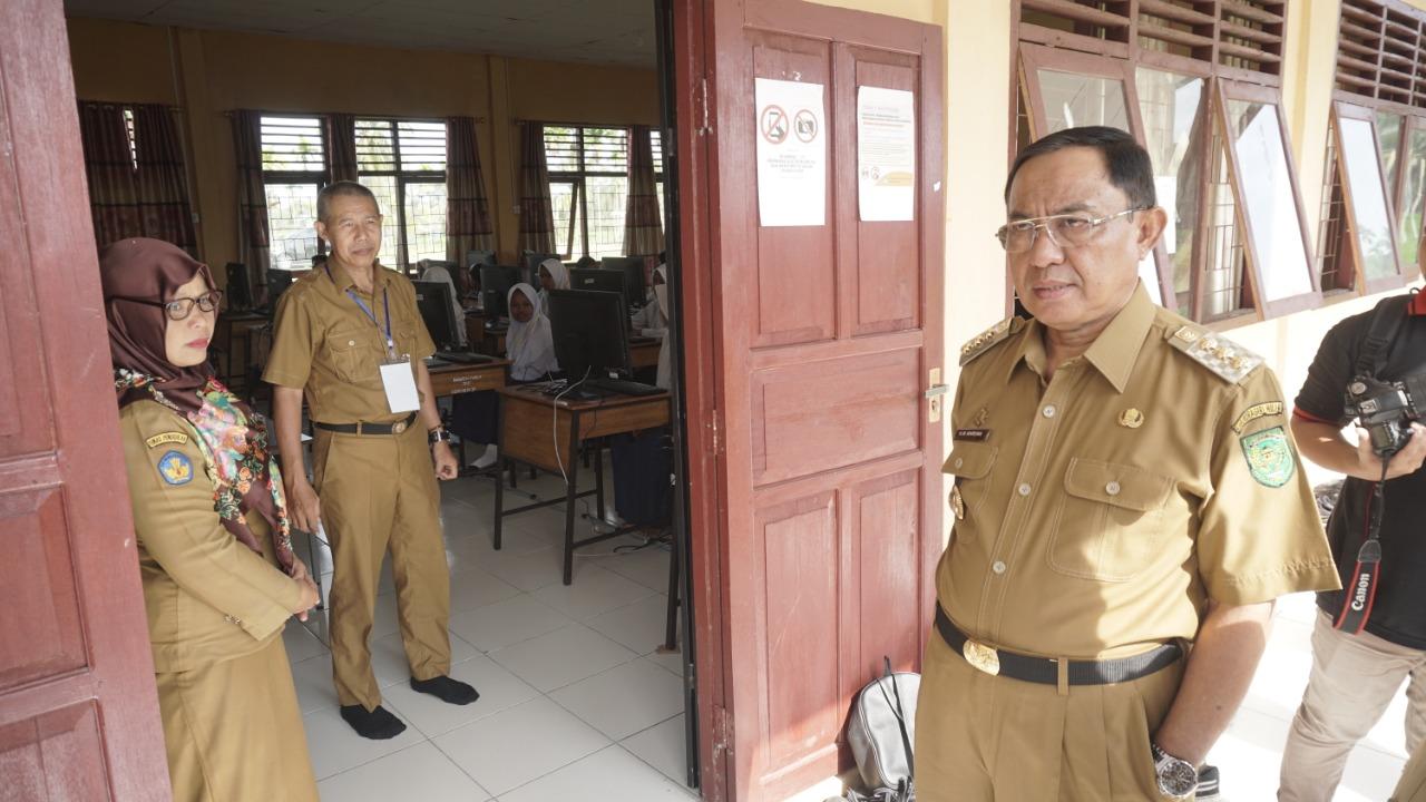 Bupati Pantau Pelaksanaan UNBK Jenjang SMP
