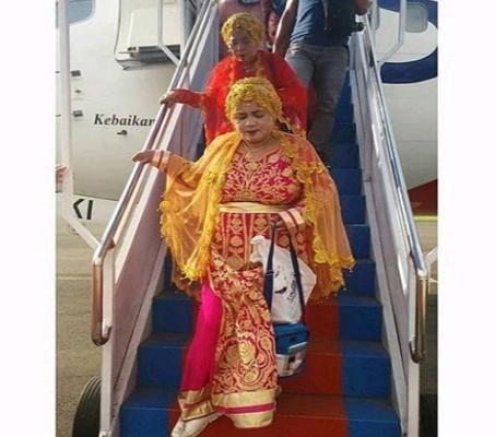 Foto Jemaah Haji Pakai Baju Blink-Blink Viral