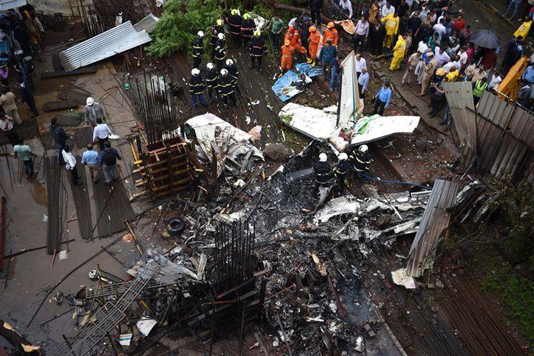 Istirahat Makan, 50 Pekerja ini Selamat dari Insiden Pesawat Jatuh