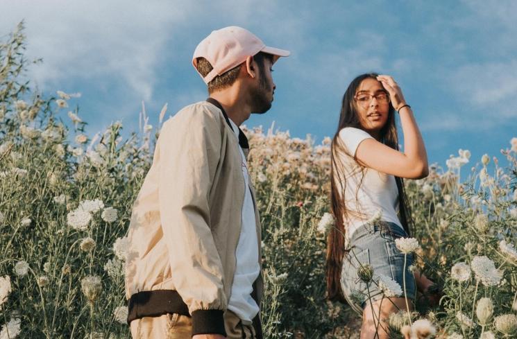 Lima Cara Menghadapi Pasangan Posesif