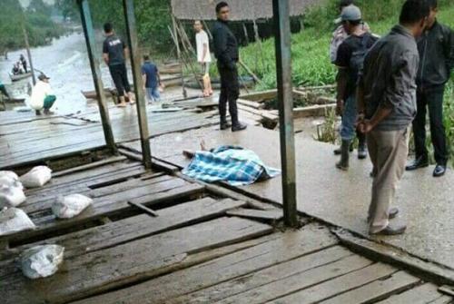 Warga Pekanarba Tembilahan Geger, Seorang Pria Berbaju Merah Ditemukan Kaku di Pelataran Pelabuhan